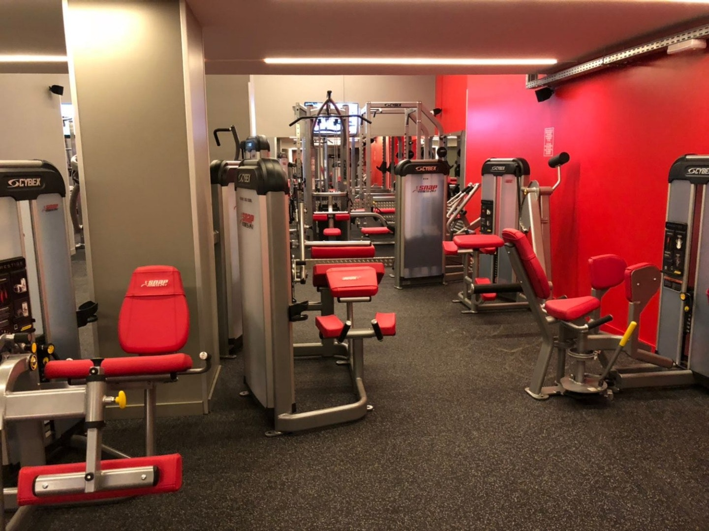 Picture 2 Deals for SNAP Fitness Aragón Barcelona {2}