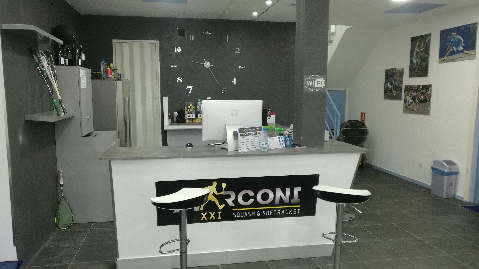 Picture 0 Deals for MARCONI XXI SQUASH & SOFTRAQUET Terrassa {2}