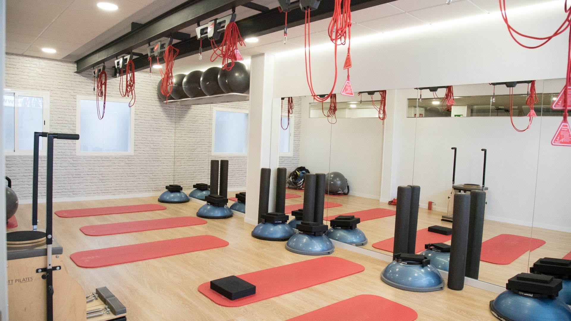 Akro Center Pilates Suelo