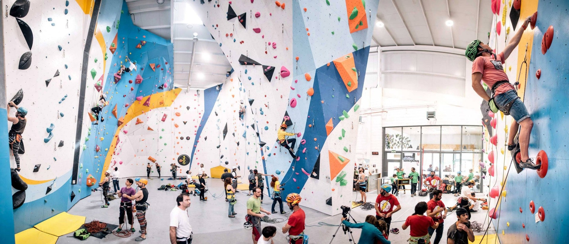 Foto 1 Oferta Sputnik Climbing Center Alcobendas {2} - GymForLess