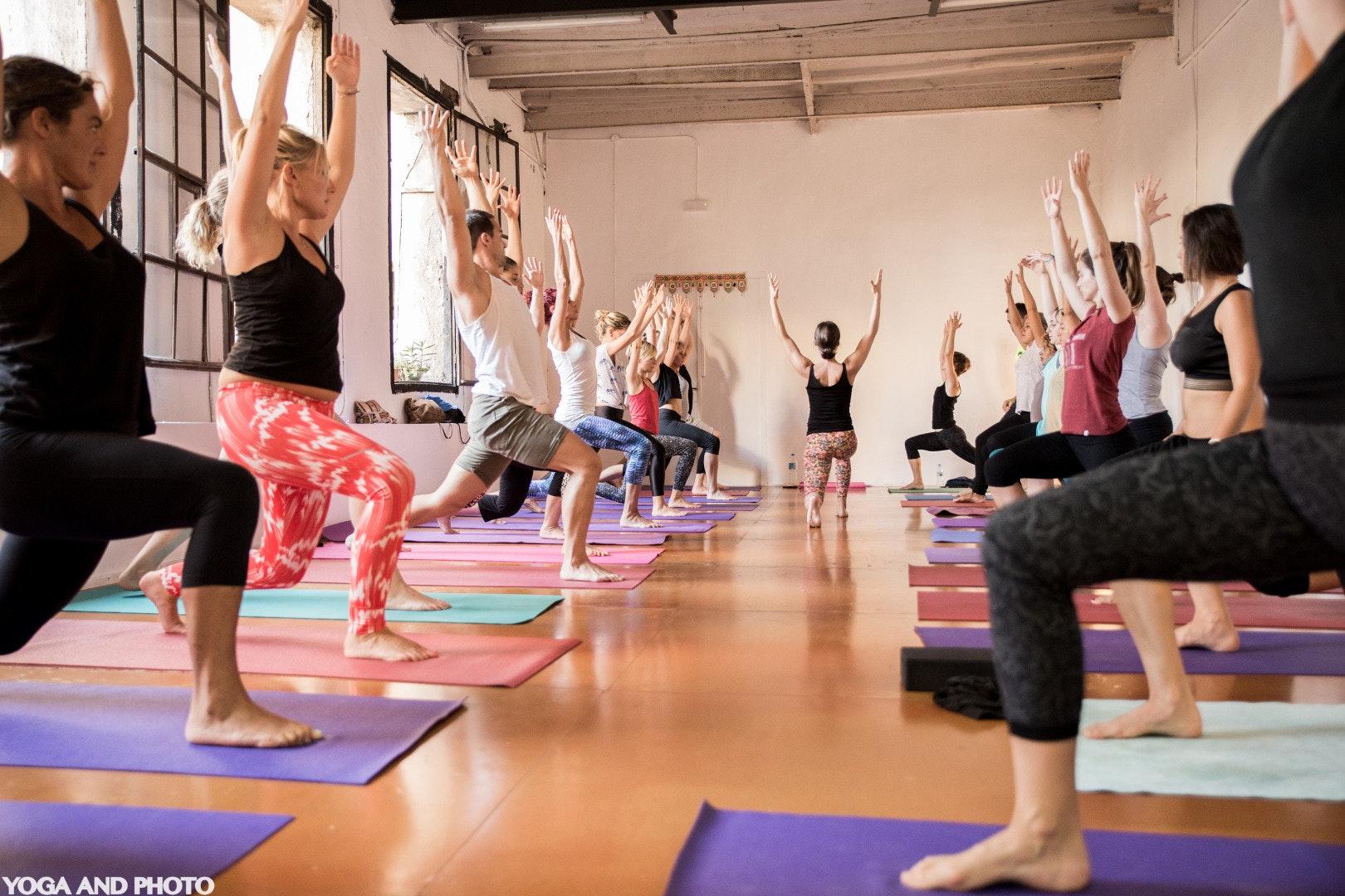 Foto 1 Oferta Yoga Lab BCN Barcelona {2} - GymForLess