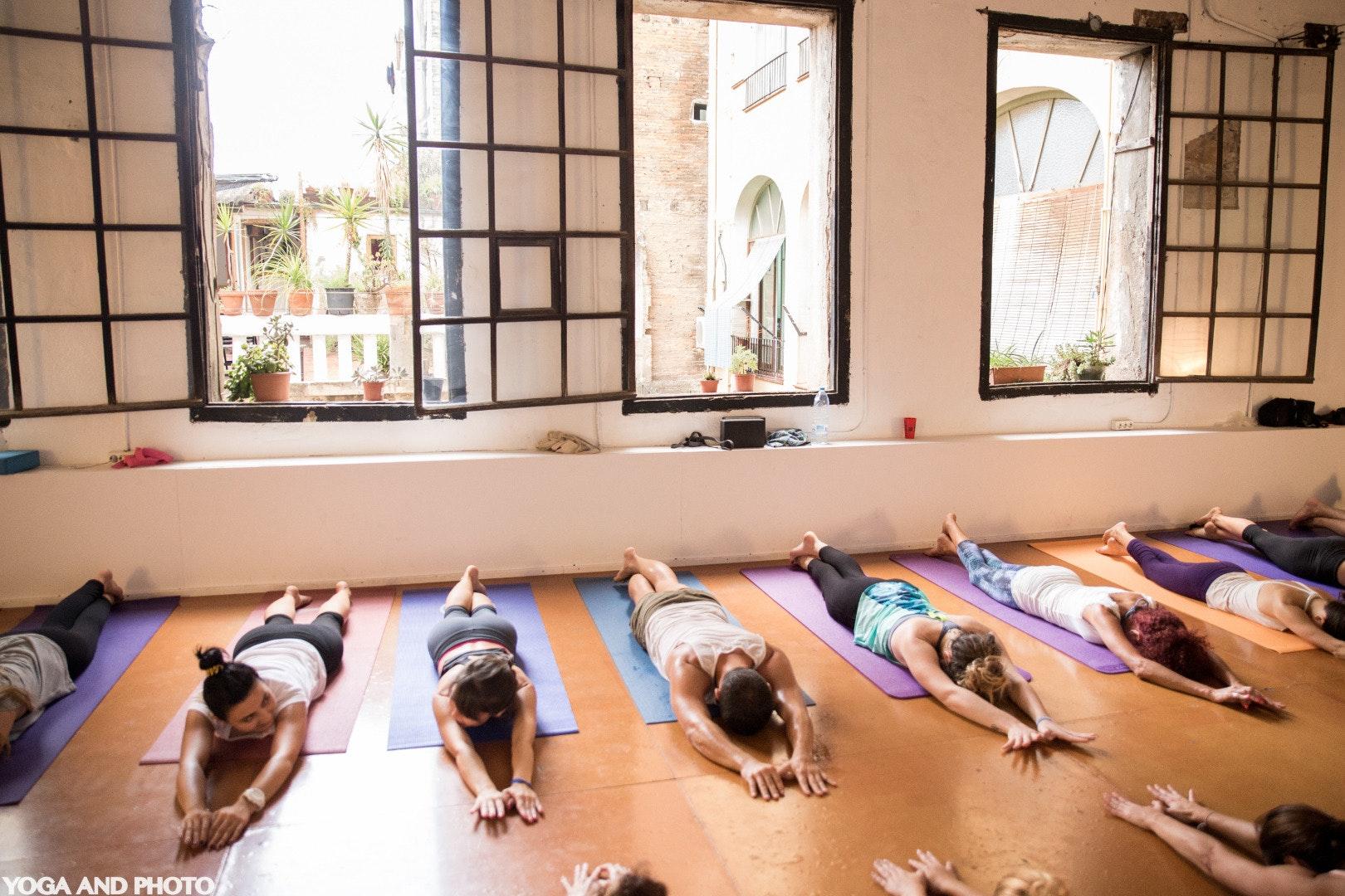 Foto 0 Oferta Yoga Lab BCN Barcelona {2} - GymForLess