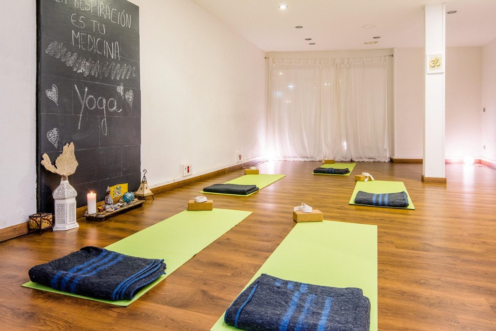 Foto 2 Oferta DAMANAVA Yoga & Wellness Studio Madrid {2} - GymForLess