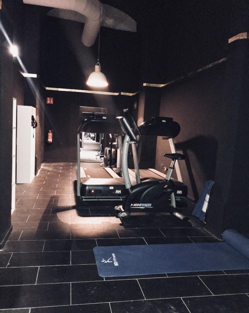 Foto 1 Oferta Bulky Gym Barcelona {2} - GymForLess