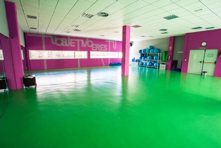 Oferta gimnasio basico sport center las cruces madrid for Bb fit padova