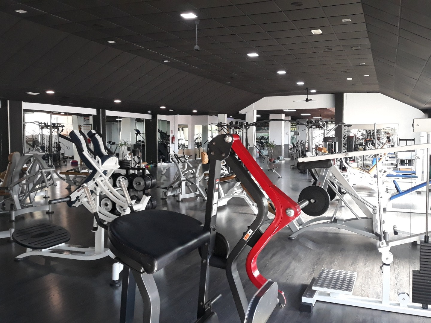 Foto 1 Oferta CENTER GYM CLUB Logroño {2} - GymForLess