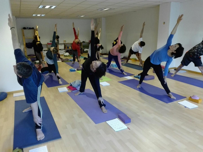 Foto 1 Oferta Centro de Yoga Integral Mahashakti A Coruña {2} - GymForLess