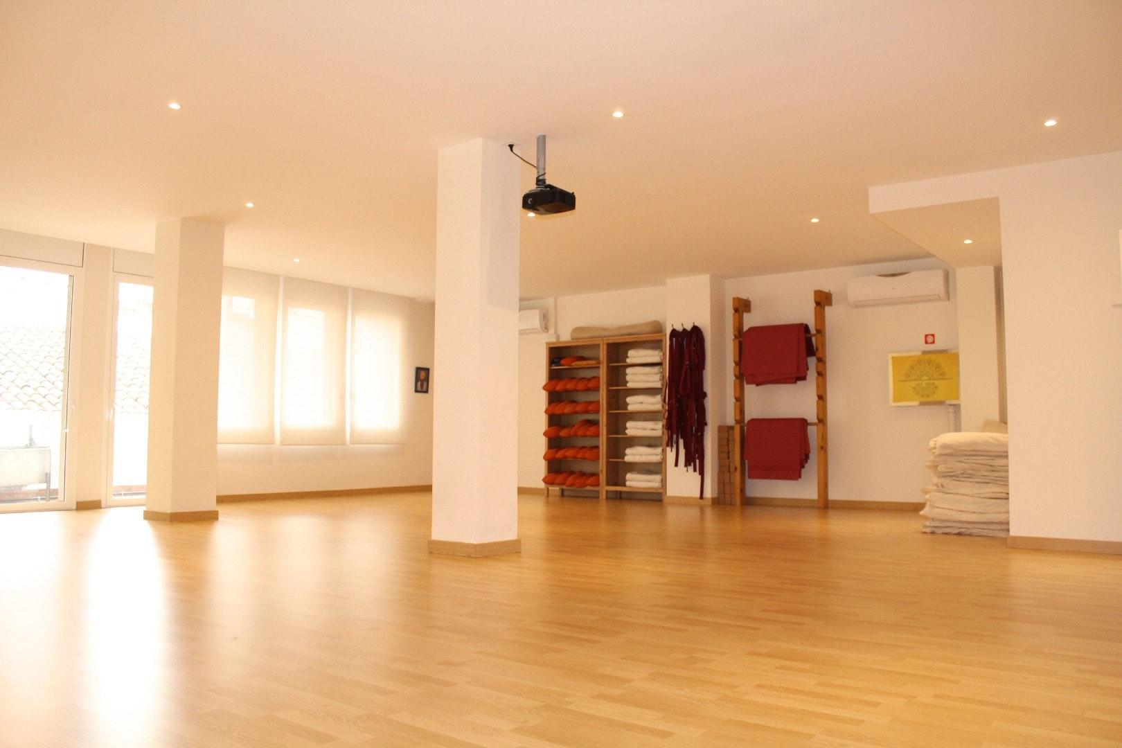 Picture 0 Deals for Shunia Yoga Sagrada Familia Barcelona {2}