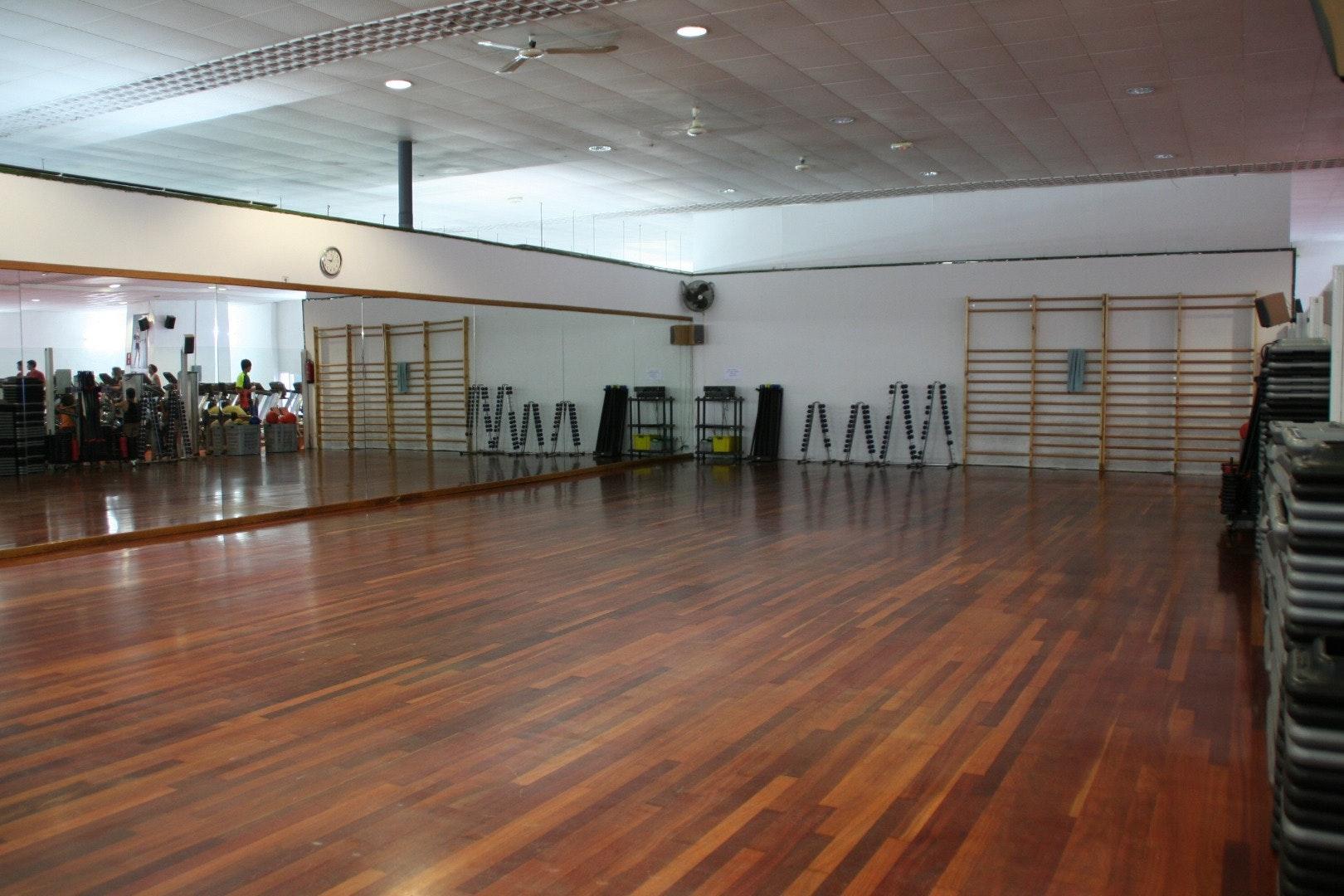Photo 2 Les meilleurs tarifs  et activités pour le centre Cornellà de Llobregat {2}