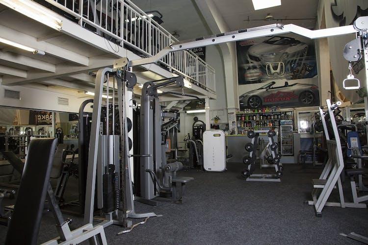 Спортен център АЯКС - Бургас