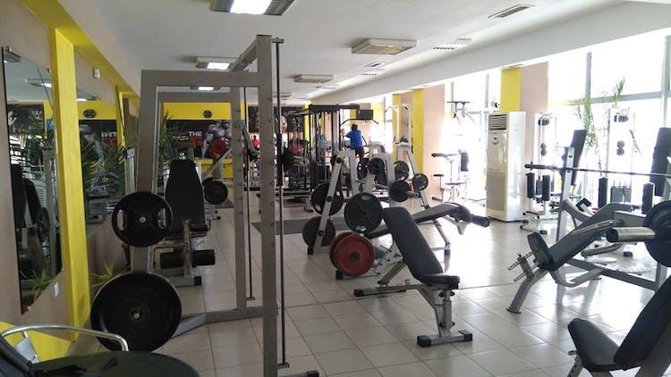 Фитнес Зала MUSCLE CLUB