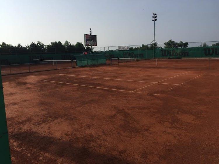 Тенис Клуб АВЕНЮ