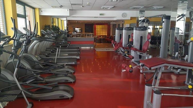 Фитнес и спа център