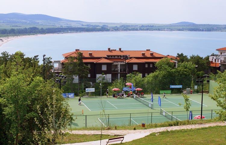 Тенис център Санта Марина