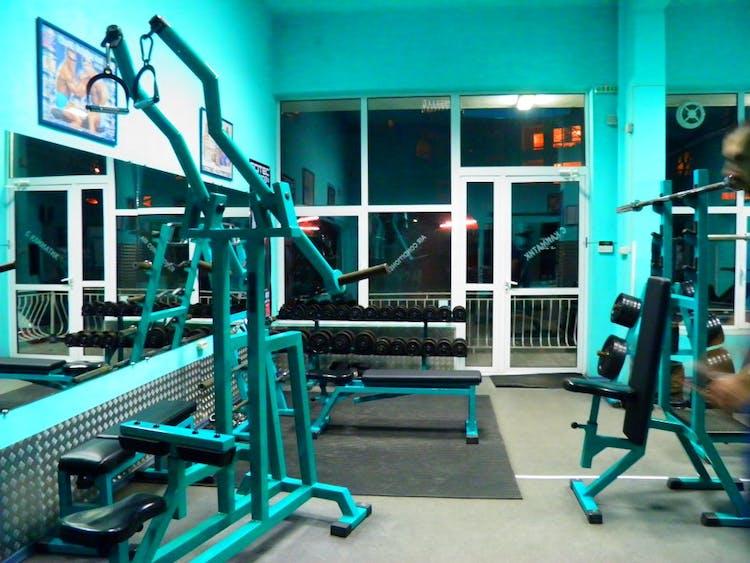 Фитнес зала ФАВОРИТ 2000