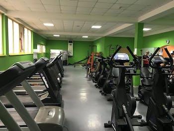 Фитнес клуб Мания Бузлуджа