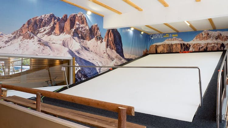 CARVE Indoor Ski, Board & Bar