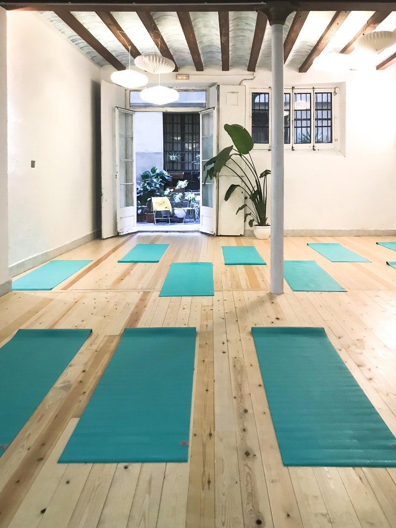 Picture 0 Deals for Glow Yoga Barcelona Barcelona {2}
