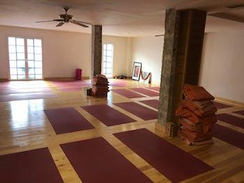 Centro Cántabro de Yoga