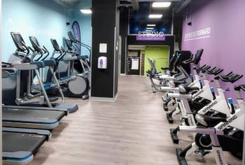 Anytime Fitness Bravo Murillo