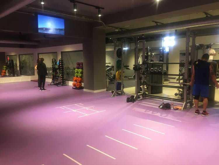 Anytime Fitness Zurbano