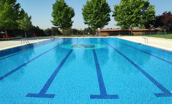 Polideportivo piscina Los Pinos