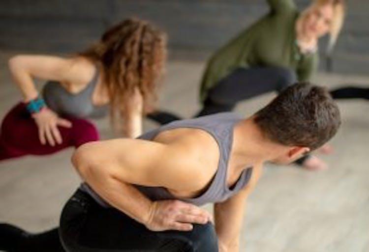 Yoga evolution school