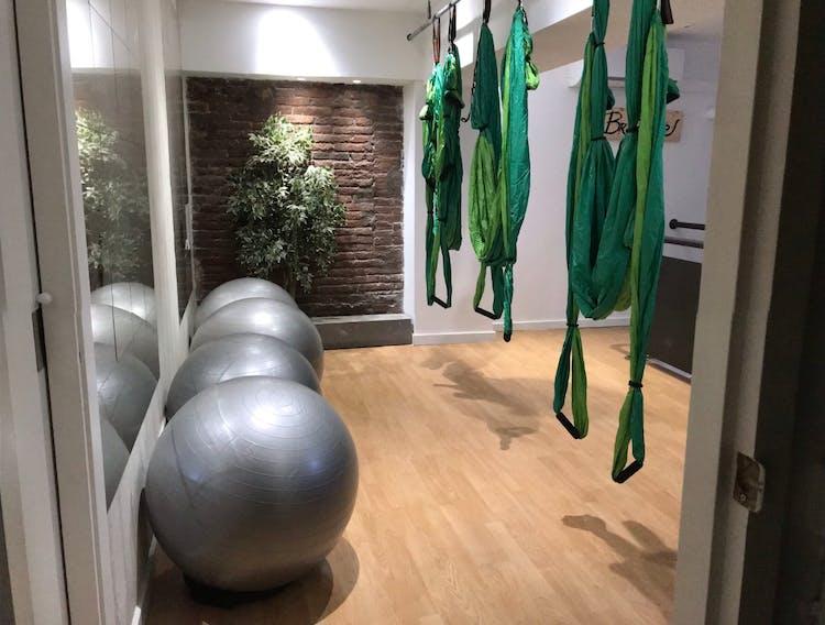 Som-Hii Pilates & Yoga