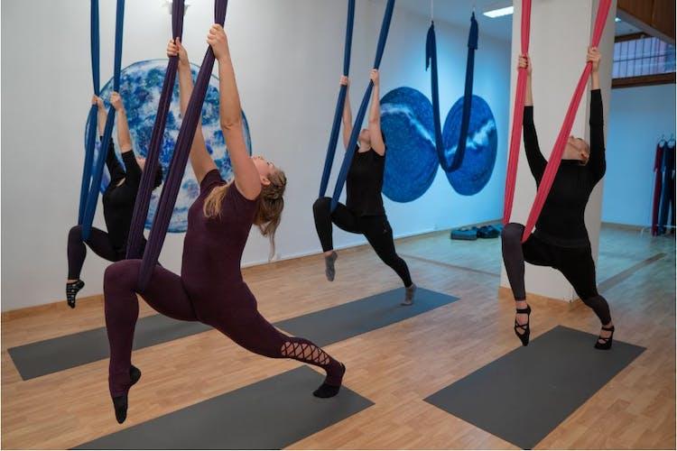 Academia de aeroyoga y fitness Let's Fly