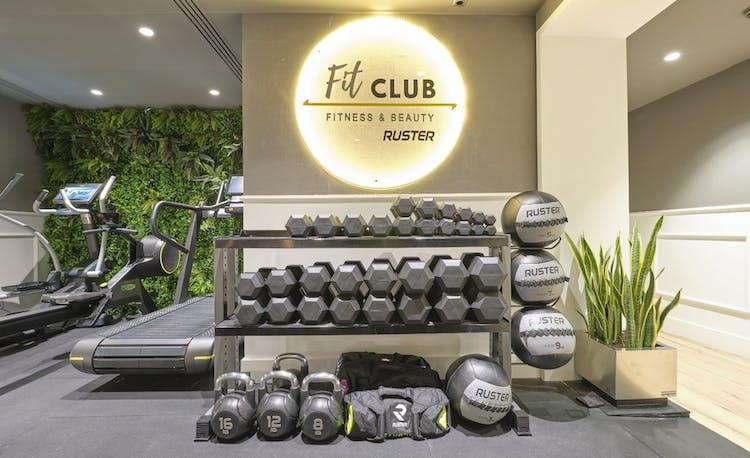 Fit Club Hotel ME Reina Victoria