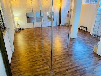 Clandestino Pole Dance Rubí