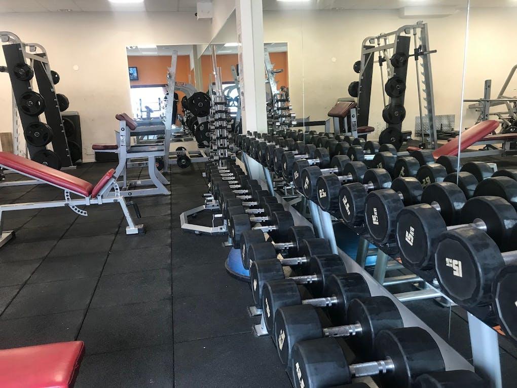 Peach Sport Center