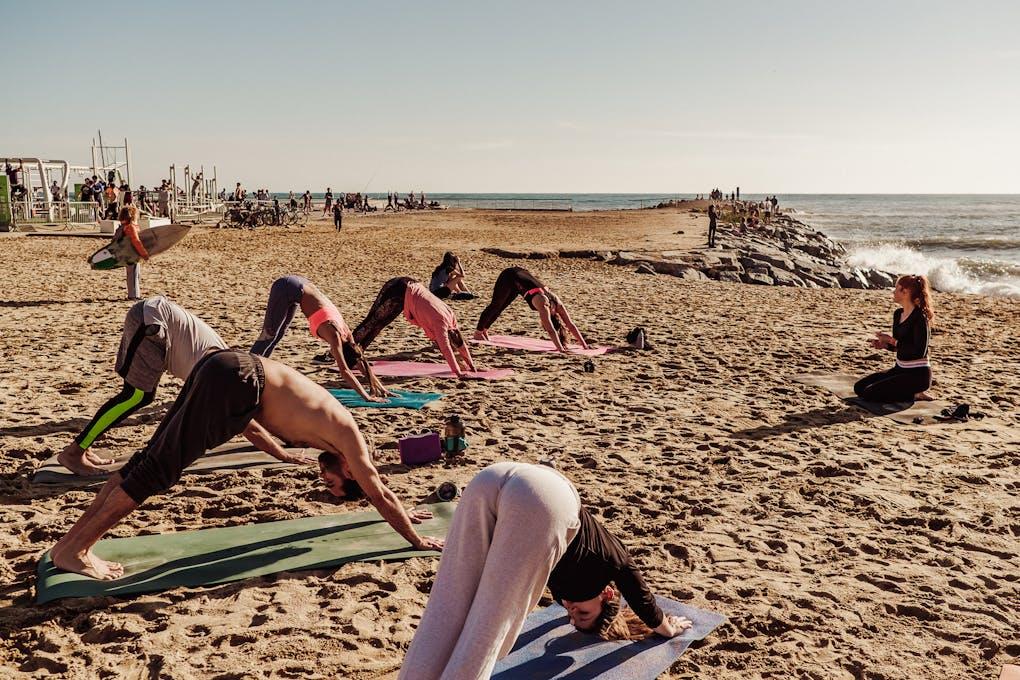 Yoga - Navakarana Vinyasa Passeig del Mare Nostrum
